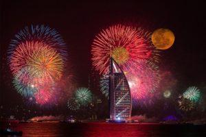 Этот новогодний салют в Дубае попал в книгу рекордов Гиннеса!