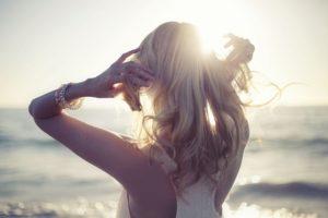 Иногда женщина уходит навсегда, любя всем сердцем.