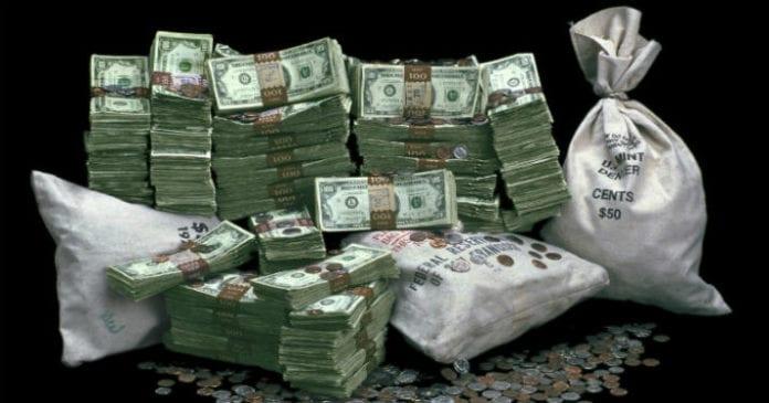 К хорошему хозяину деньги спешат вернуться! Действенные приметы